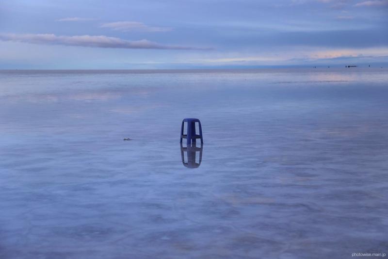 ウユニ塩湖で三脚代わりに使った椅子