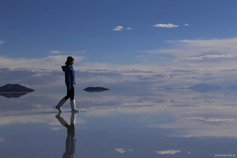 ウユニ塩湖を歩く