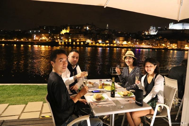 夜景を見ながらワインとか最高すぎる