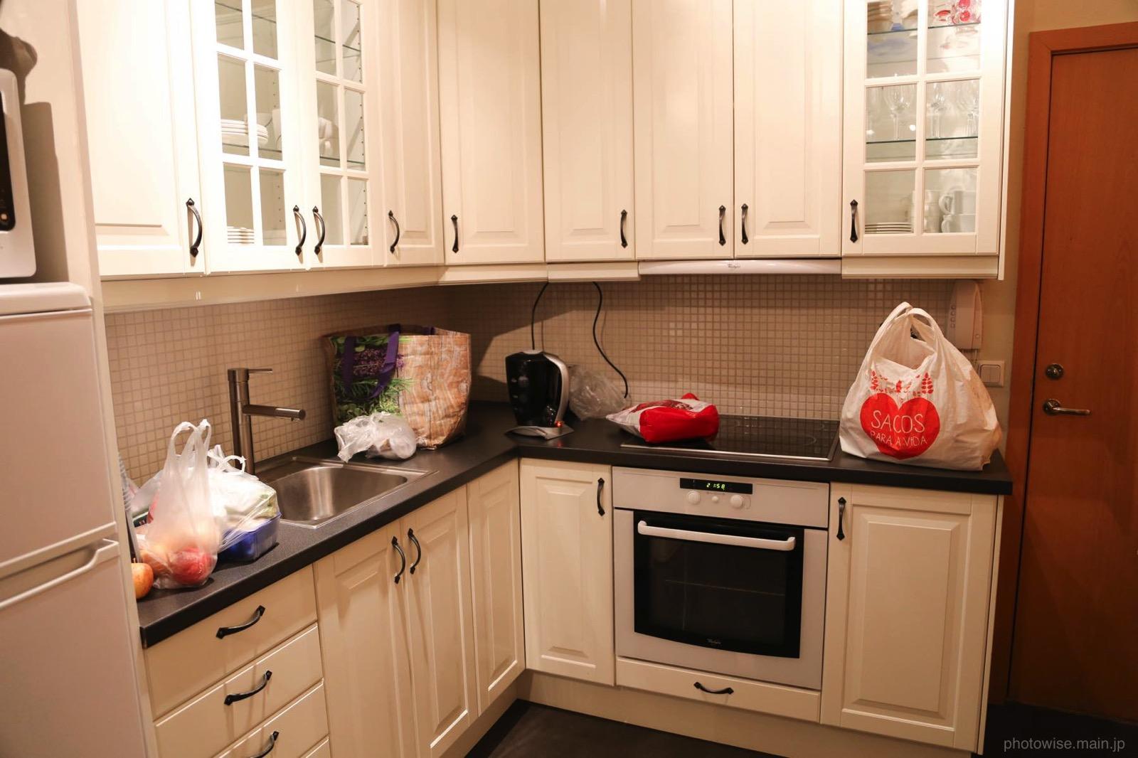 Airbnbのキッチン