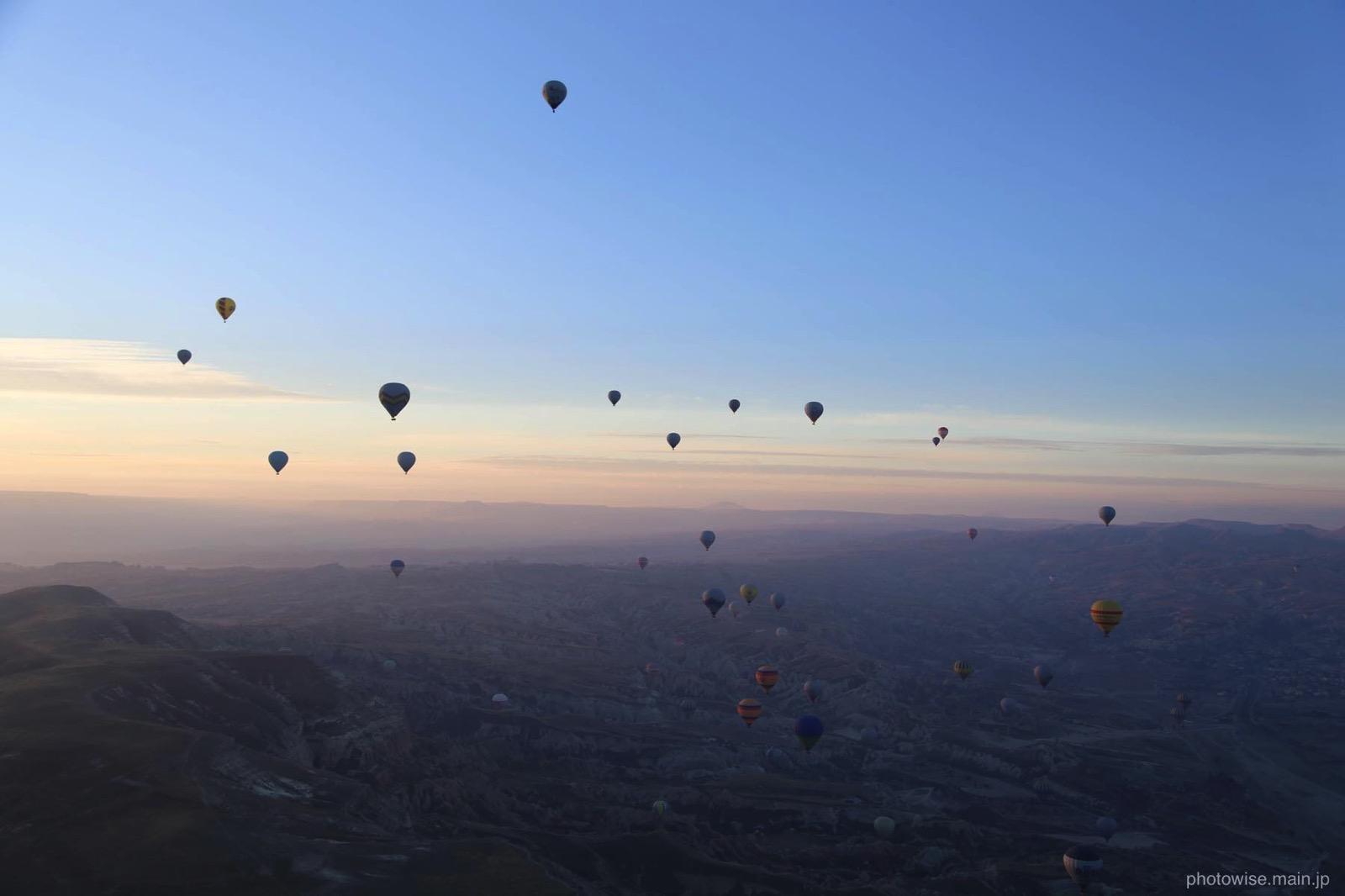 気球と青空