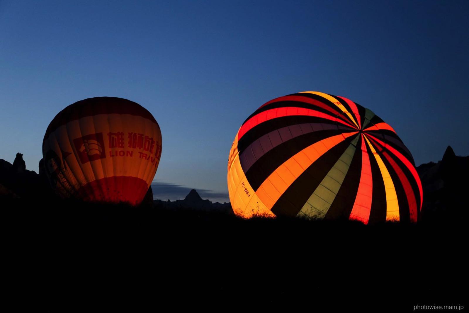 気球を膨らませているところ