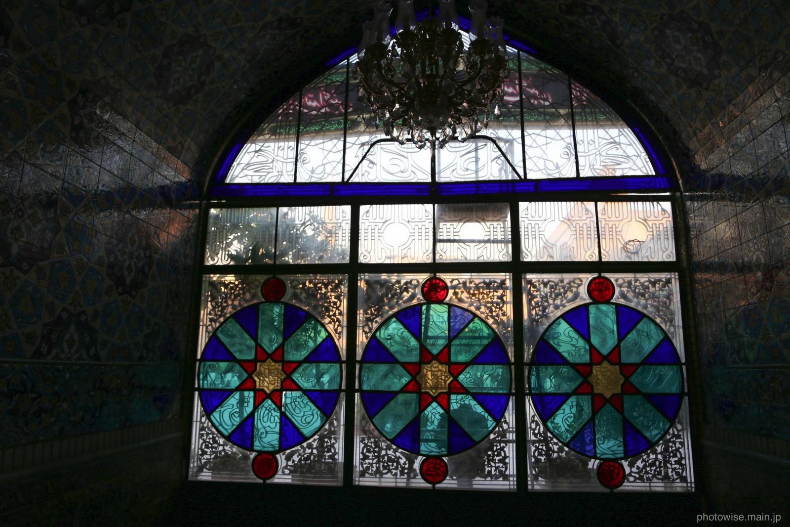バザールのモスクの窓