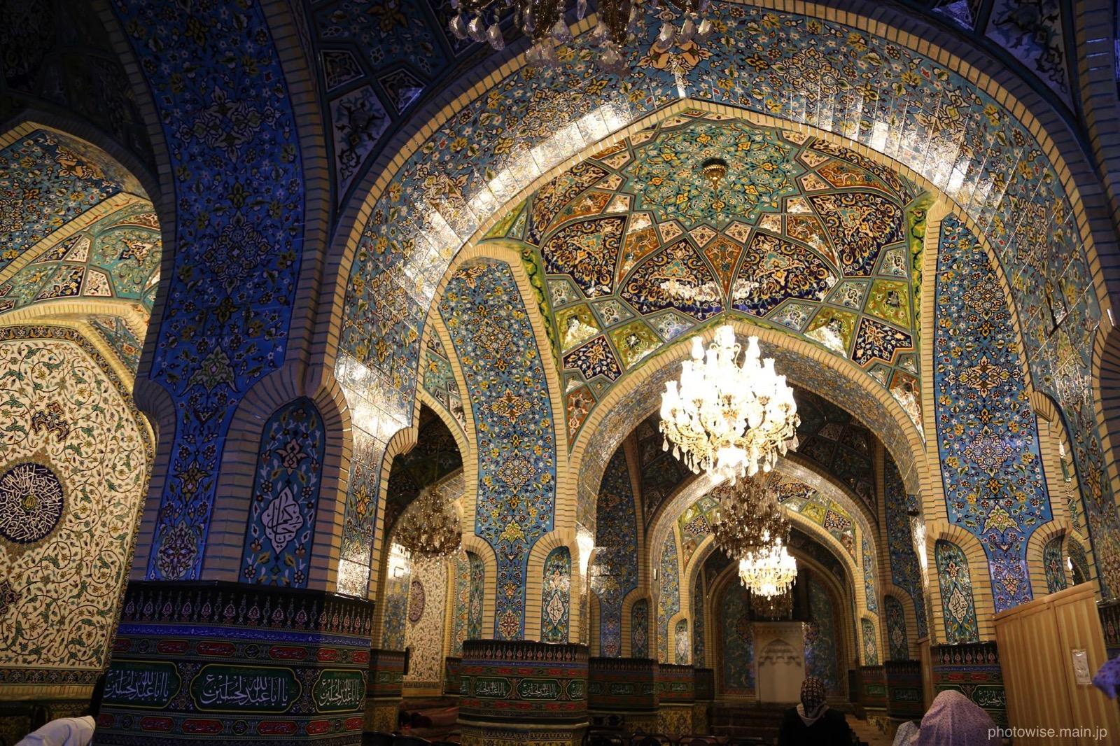 バザールのモスク内部