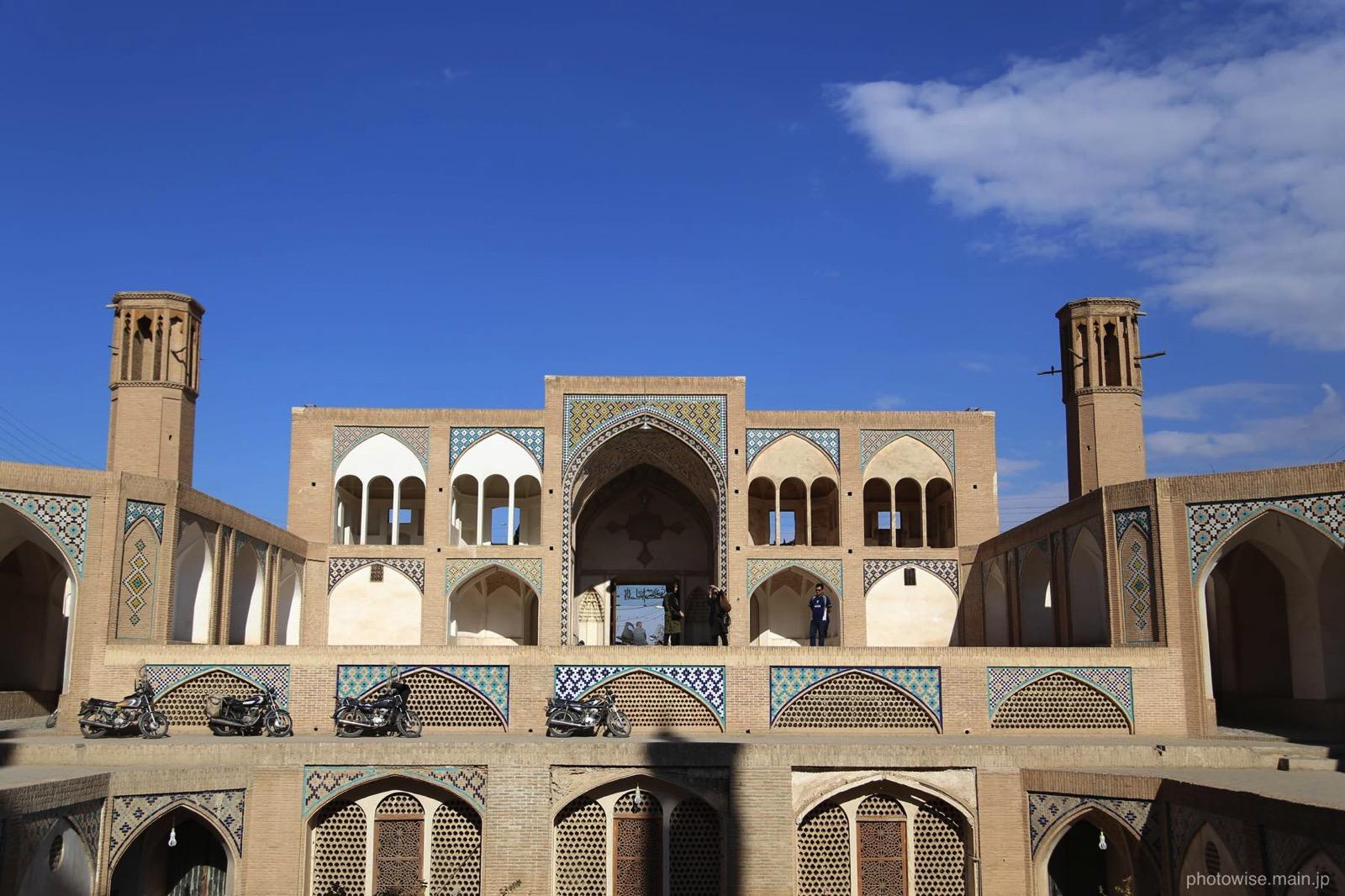 立体的なAgha Bozorg Mosque