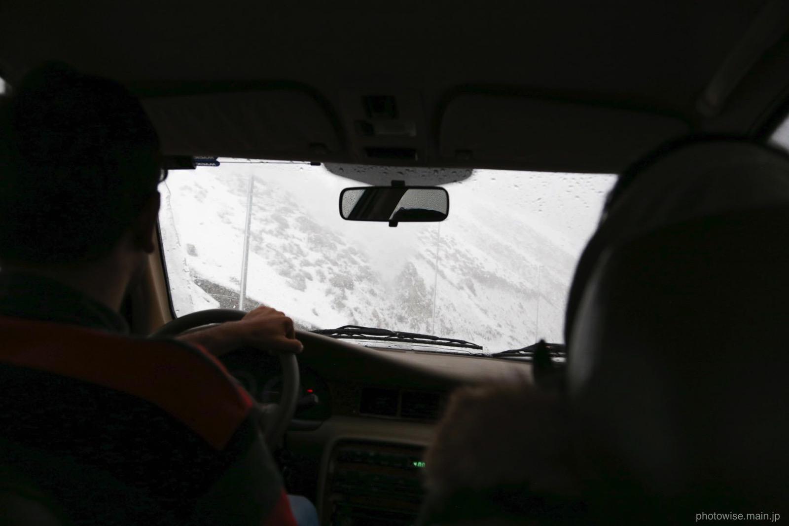 途中の道は雪景色