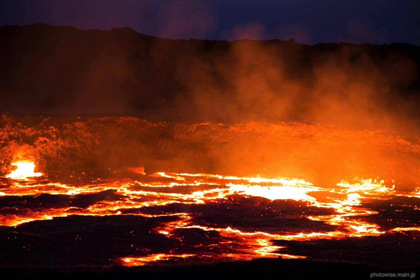 エルタ・アレ火山の朝