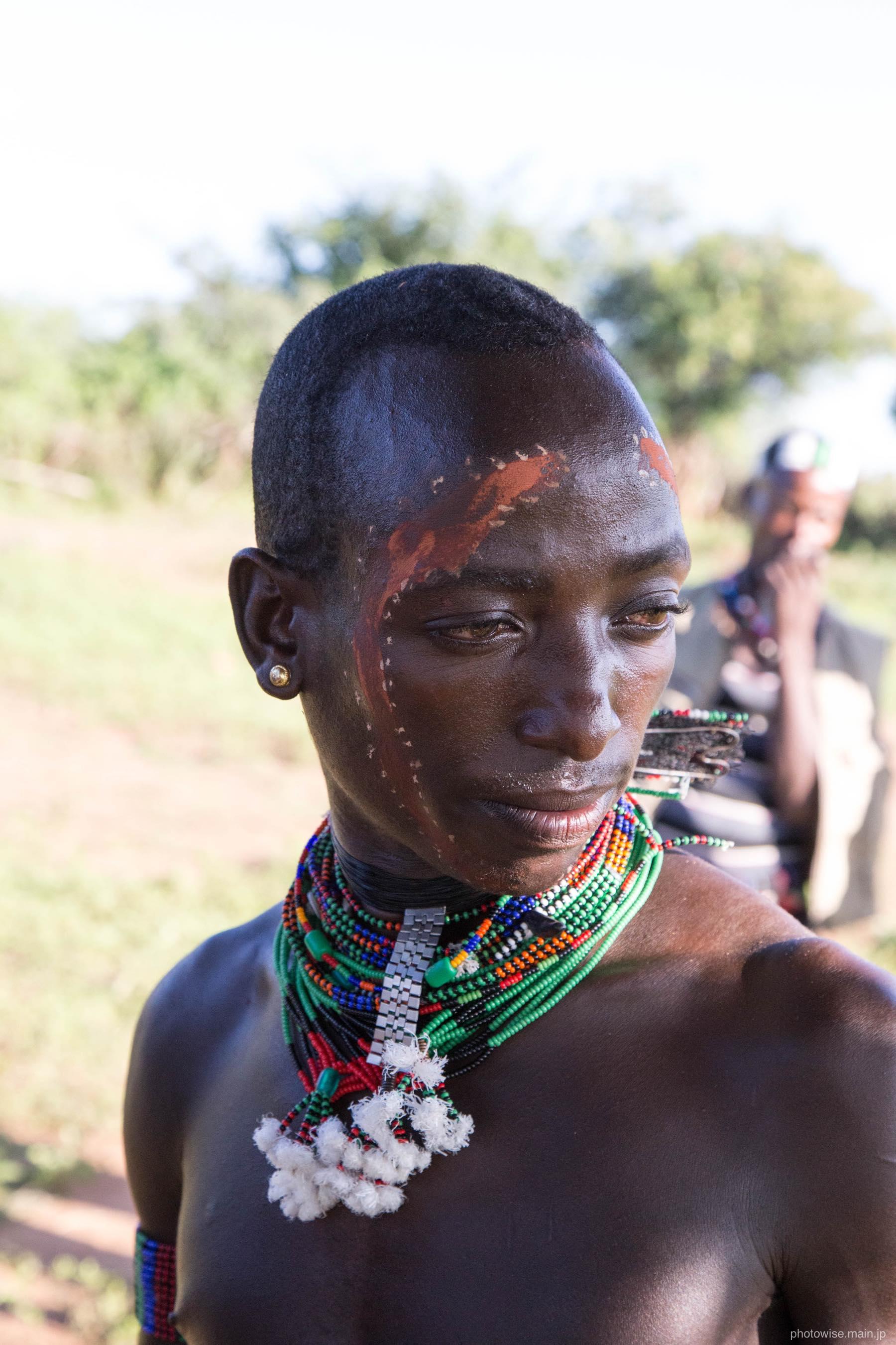 美しいバンナ族の男性