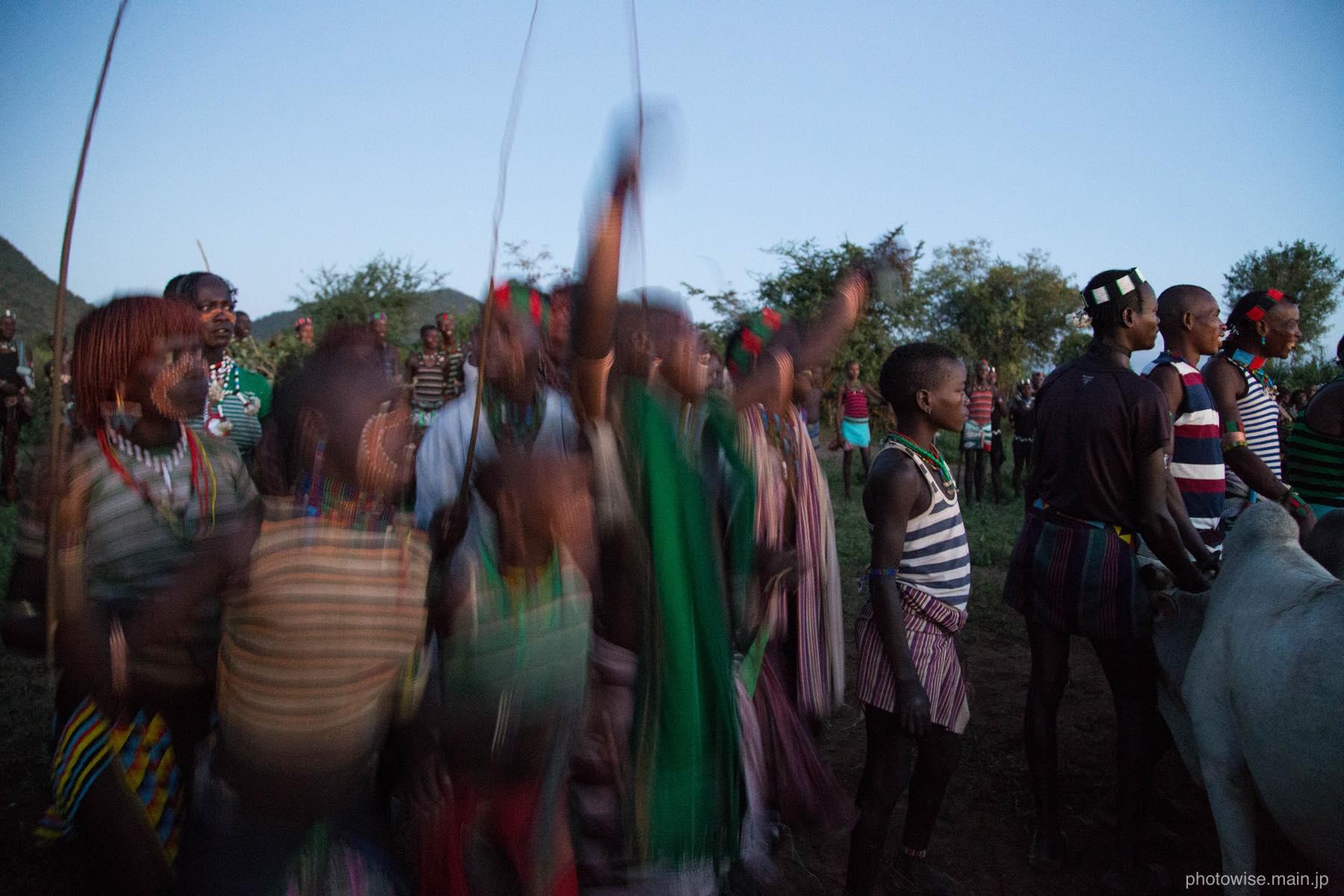 熱狂のバンナ族