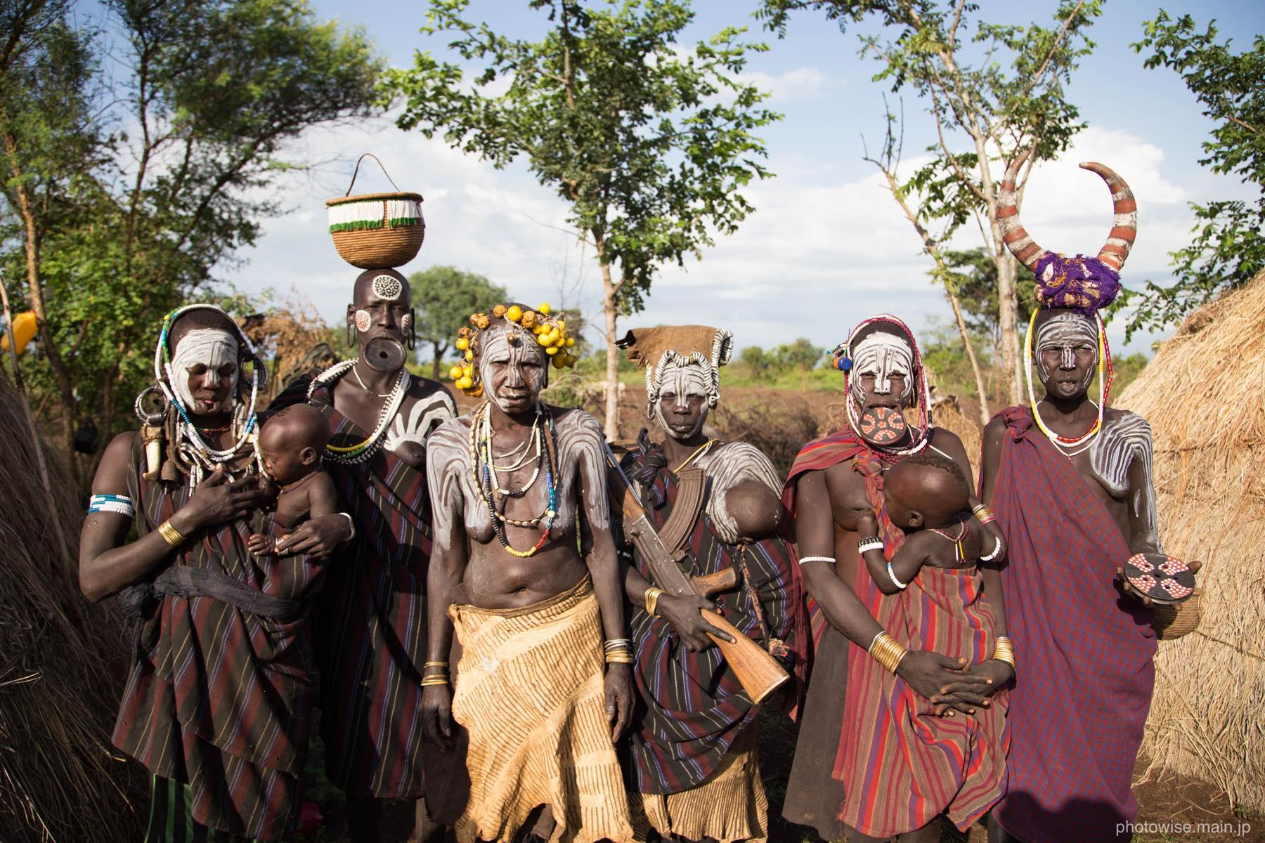 ムルシ族グループ