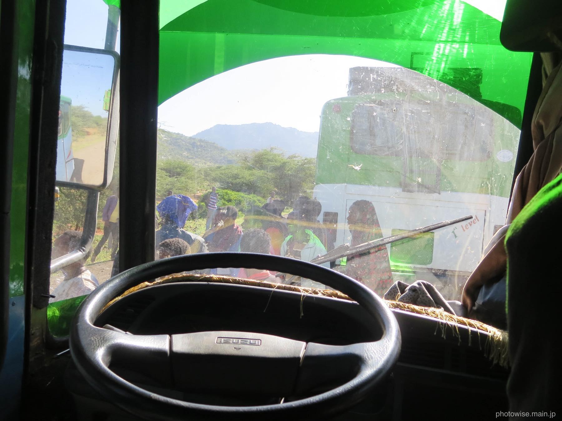 モヤレ行きバス