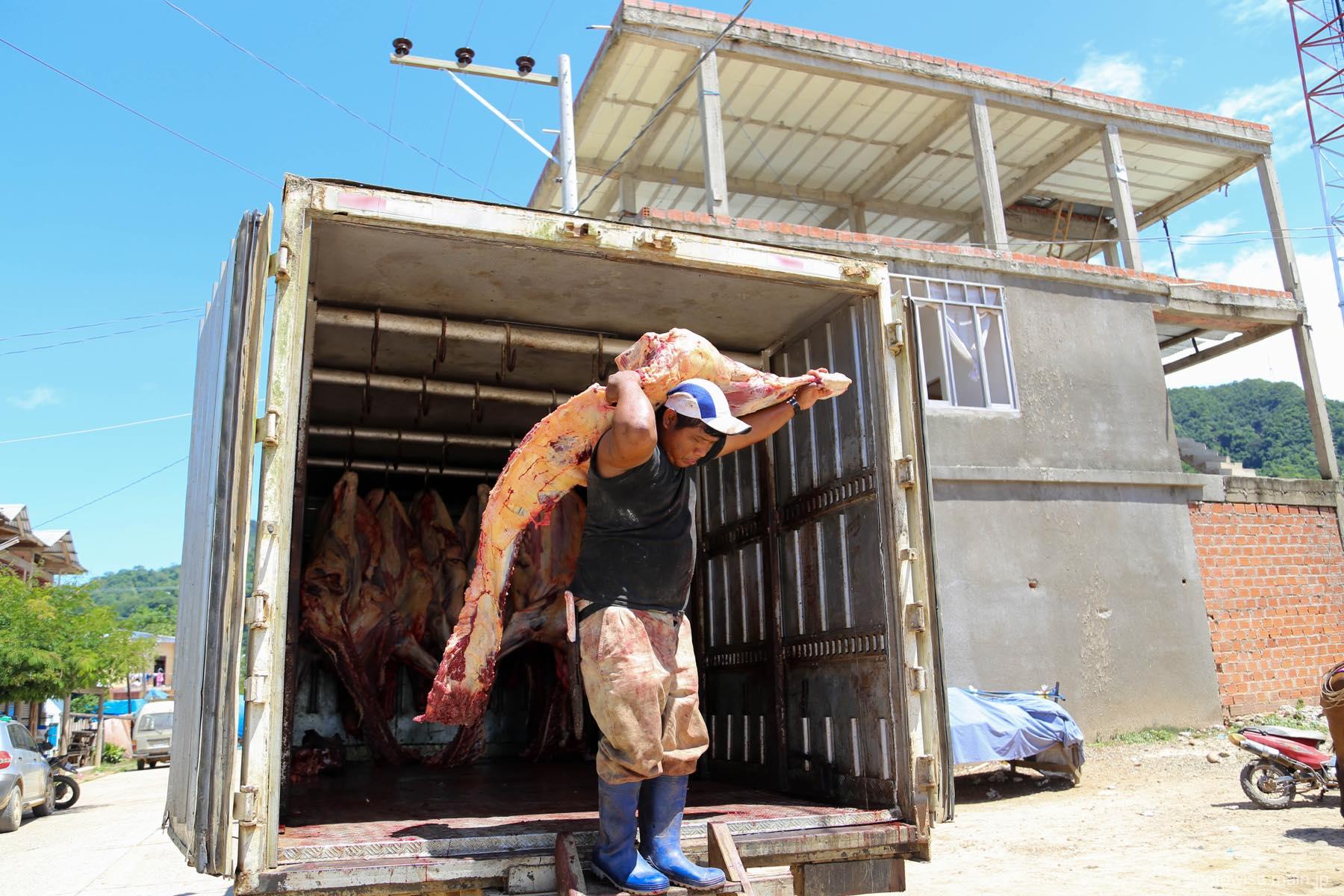 肉トラック
