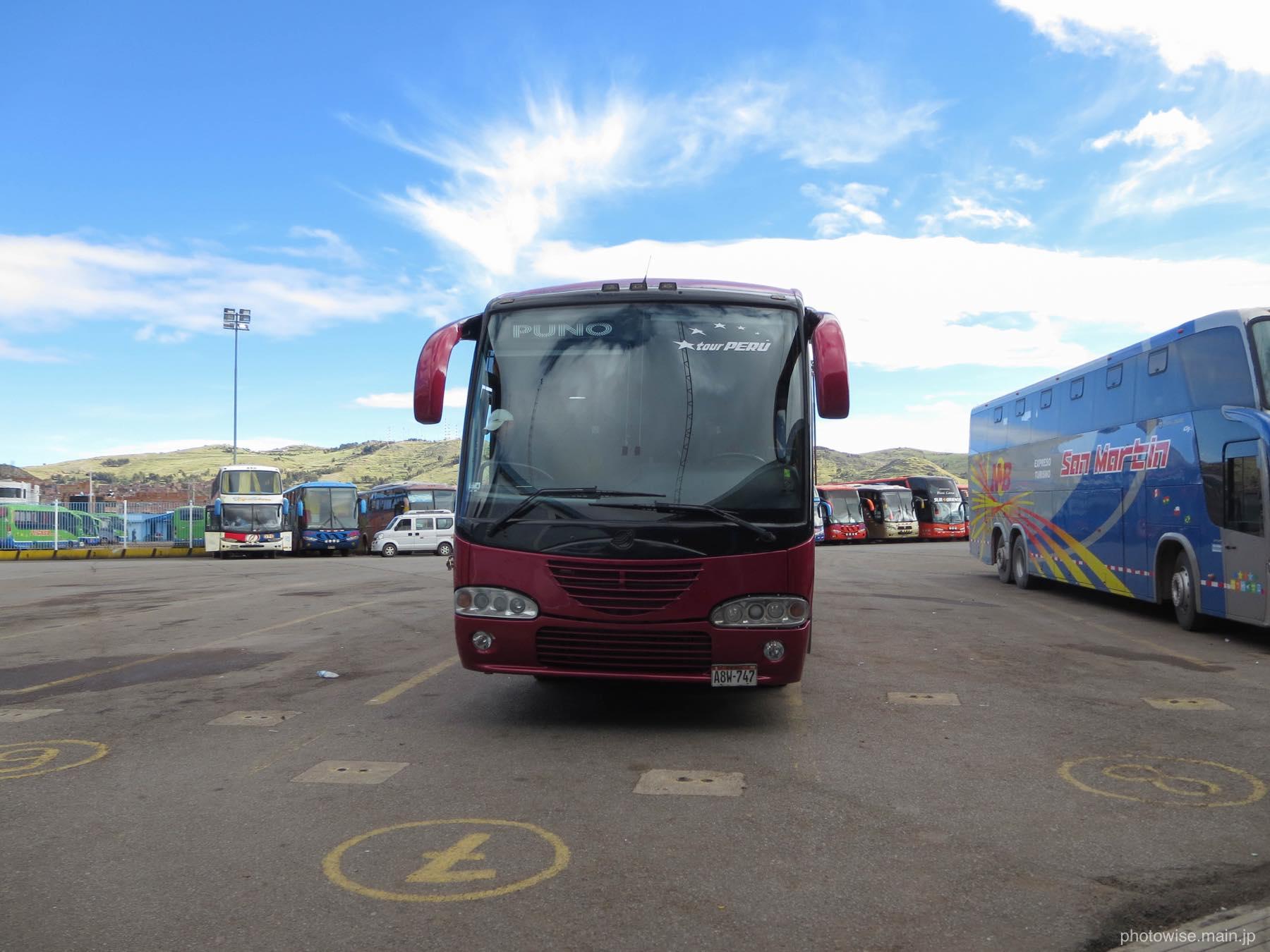 クスコ行きのバス