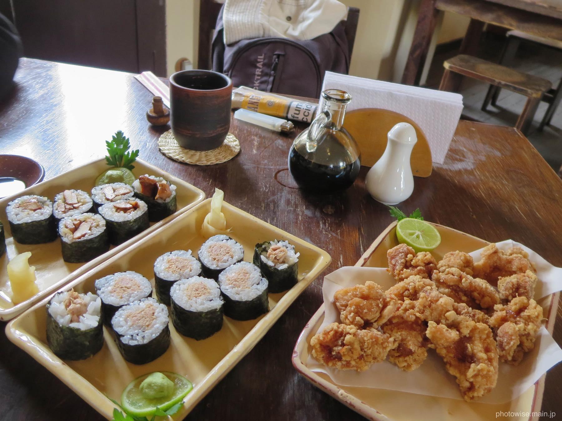 唐揚げと巻き寿司