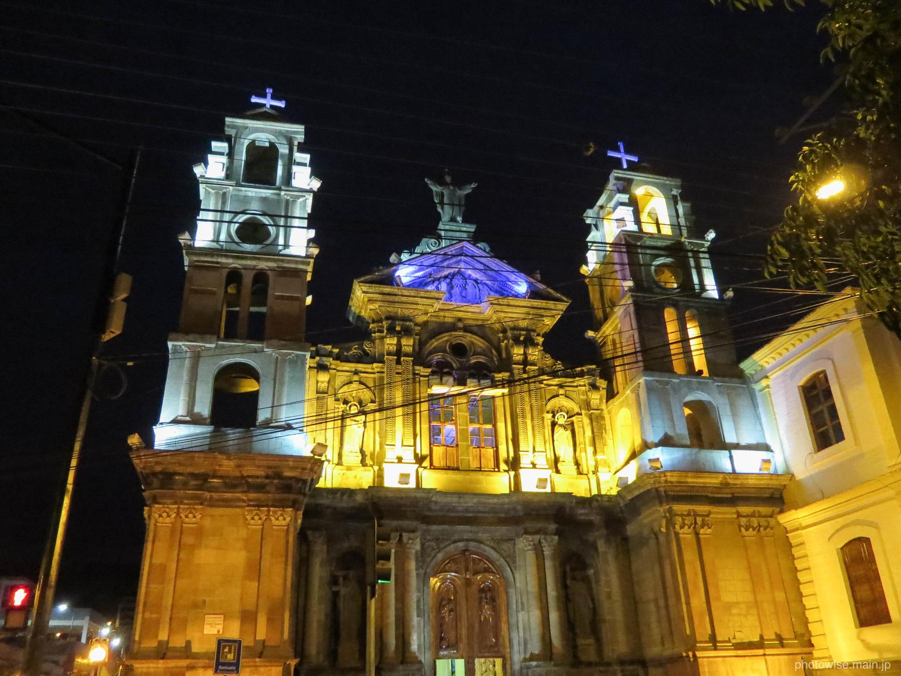 オタバロの教会