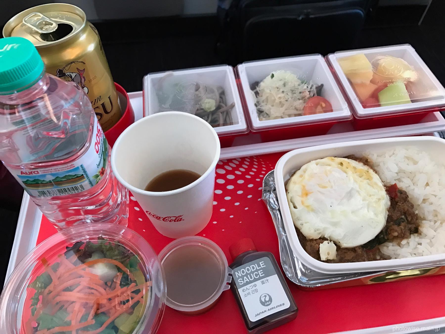 機内食のガパオ
