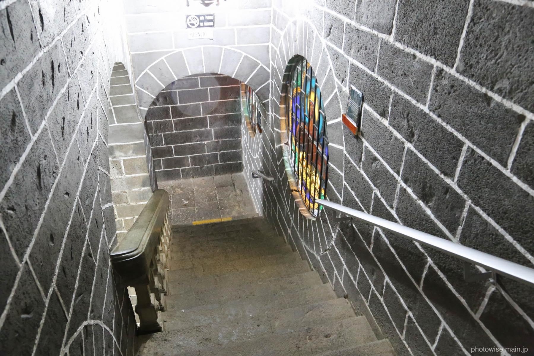 ラスラハス教会の地下