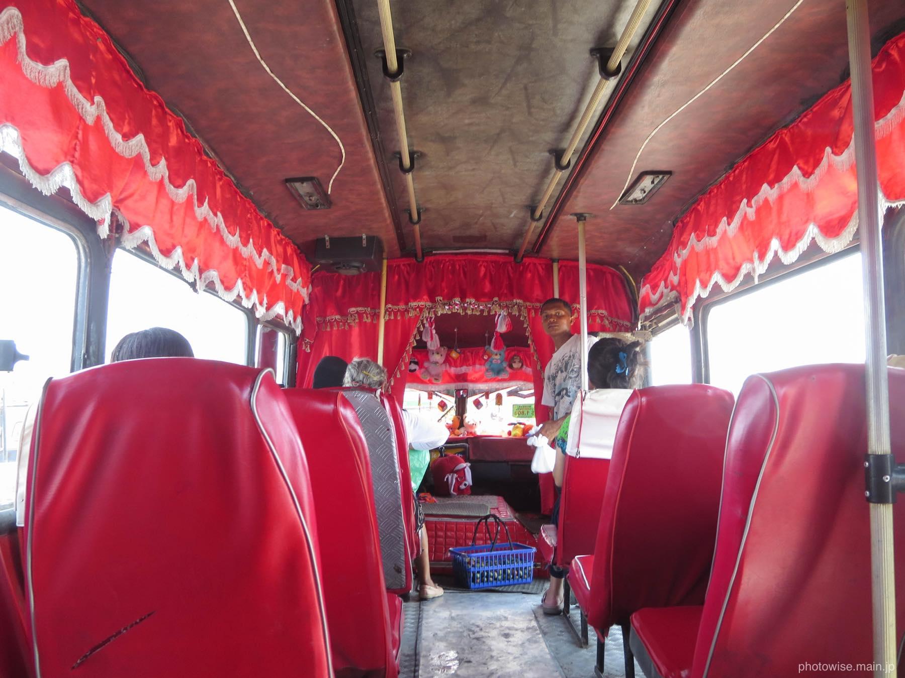 カルタヘナのバス