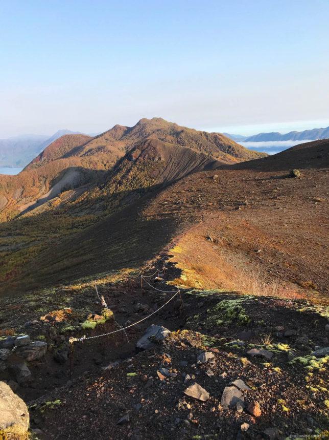 西山へのトレッキングコース
