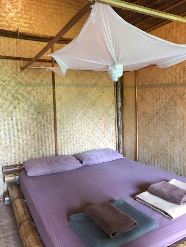 蚊帳付きベット