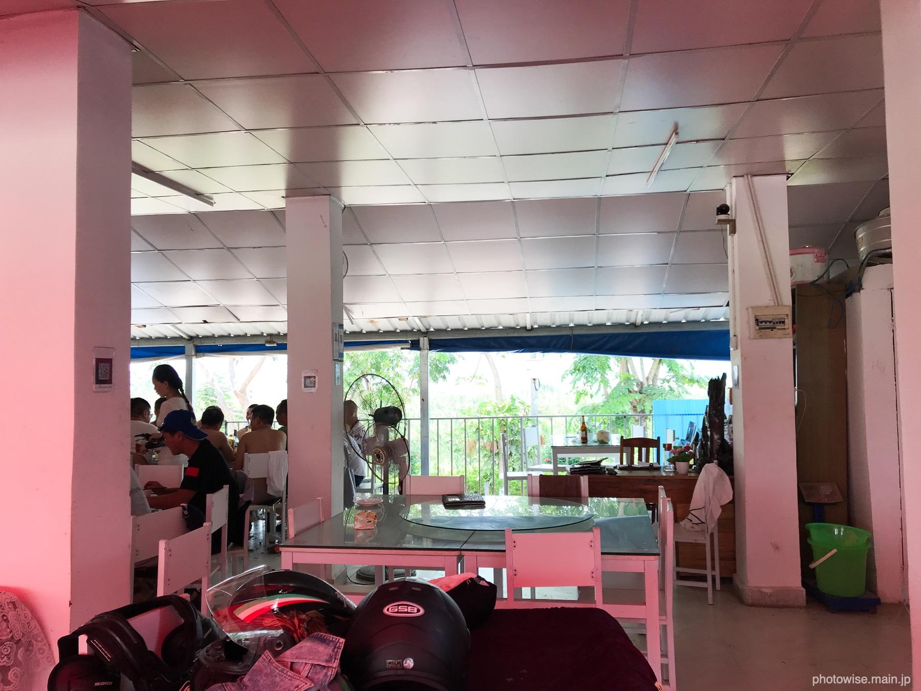 ラオスの中華レストラン