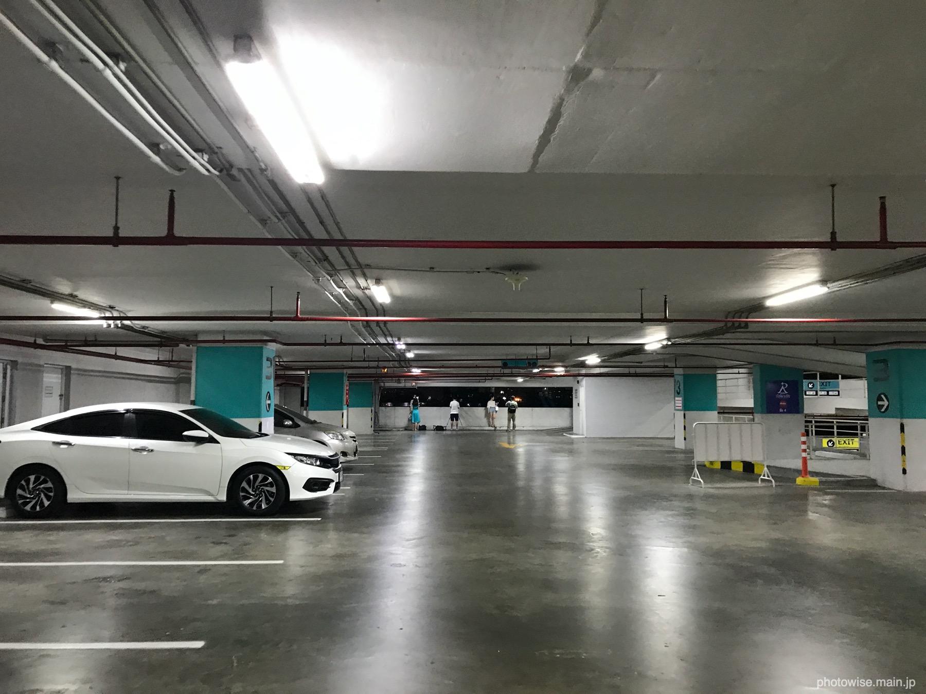 エスプラナードの駐車場